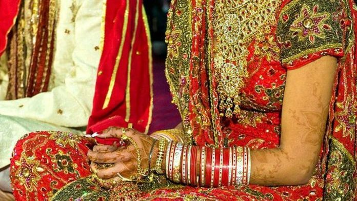 Most Indians oppose interfaith marriage, survey shows