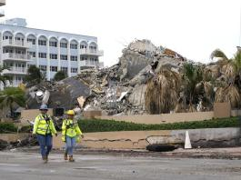 Searchers at collapse site 'not seeing anything positive'