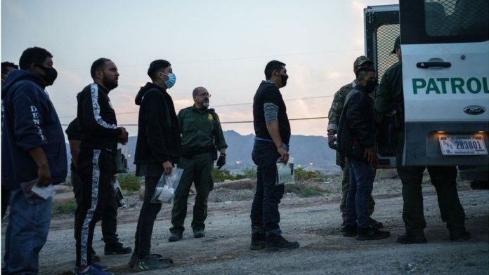 US-Mexico border migrant detention levels reach 21-year high