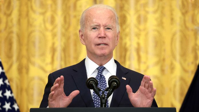 Biden orders vaccines for millions of employees or face testing