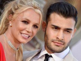 Britney Spears announces engagement to Sam Asghari