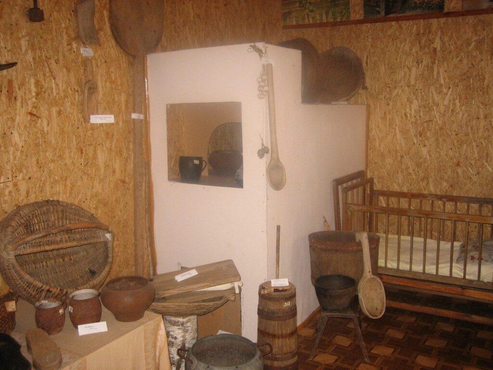 Butrimoni%C5%B3 muziejaus eksponatai 1024x768 - Dainavos žodis