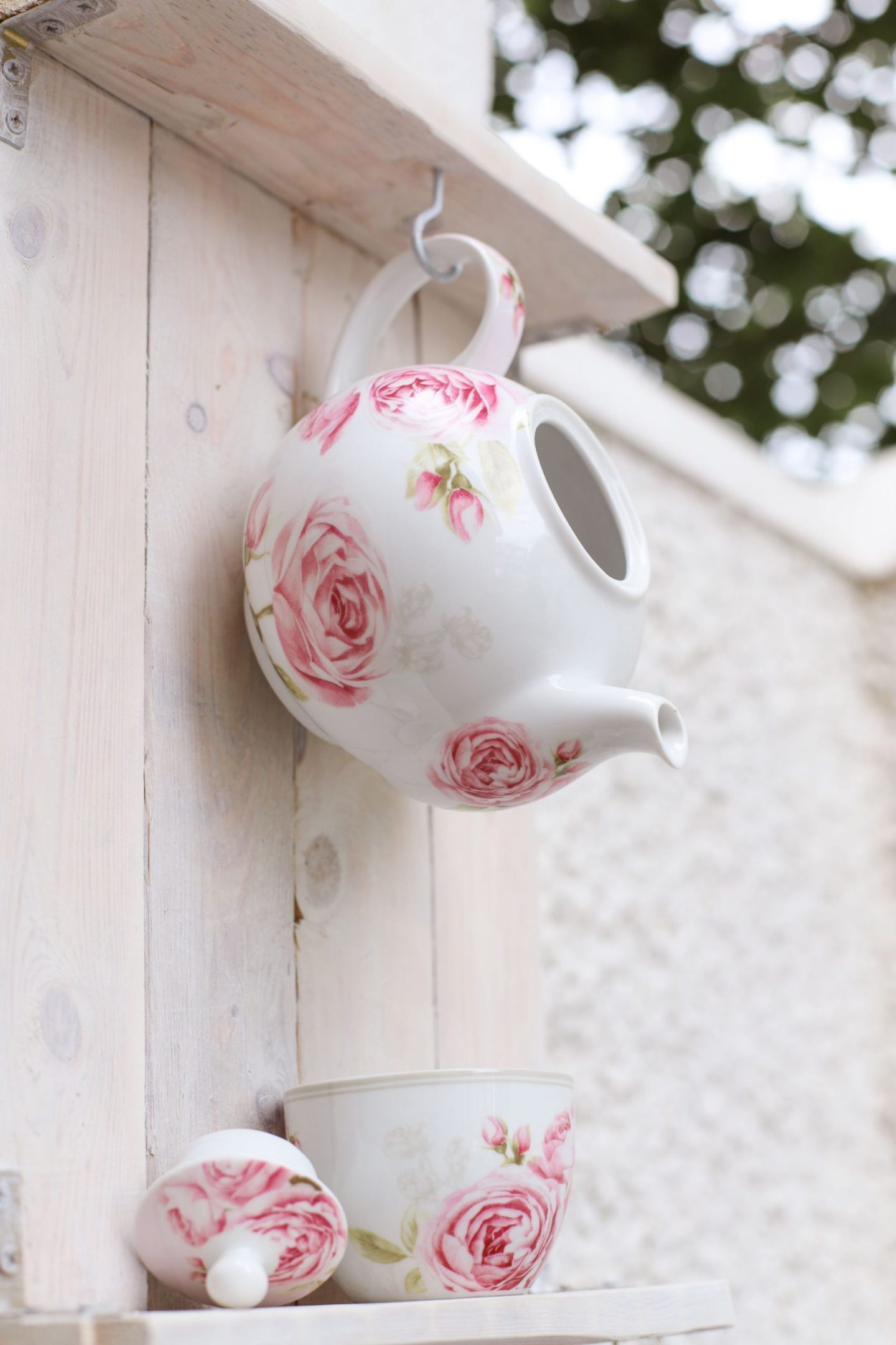 DIY Teapot bird feeder.