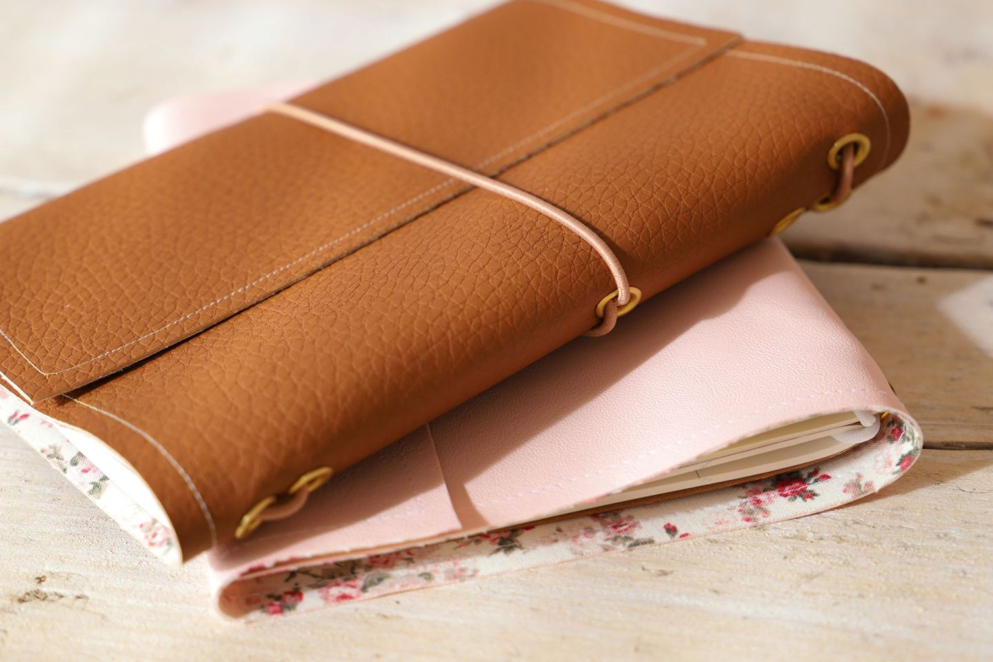 DIY midori style travellers notebook