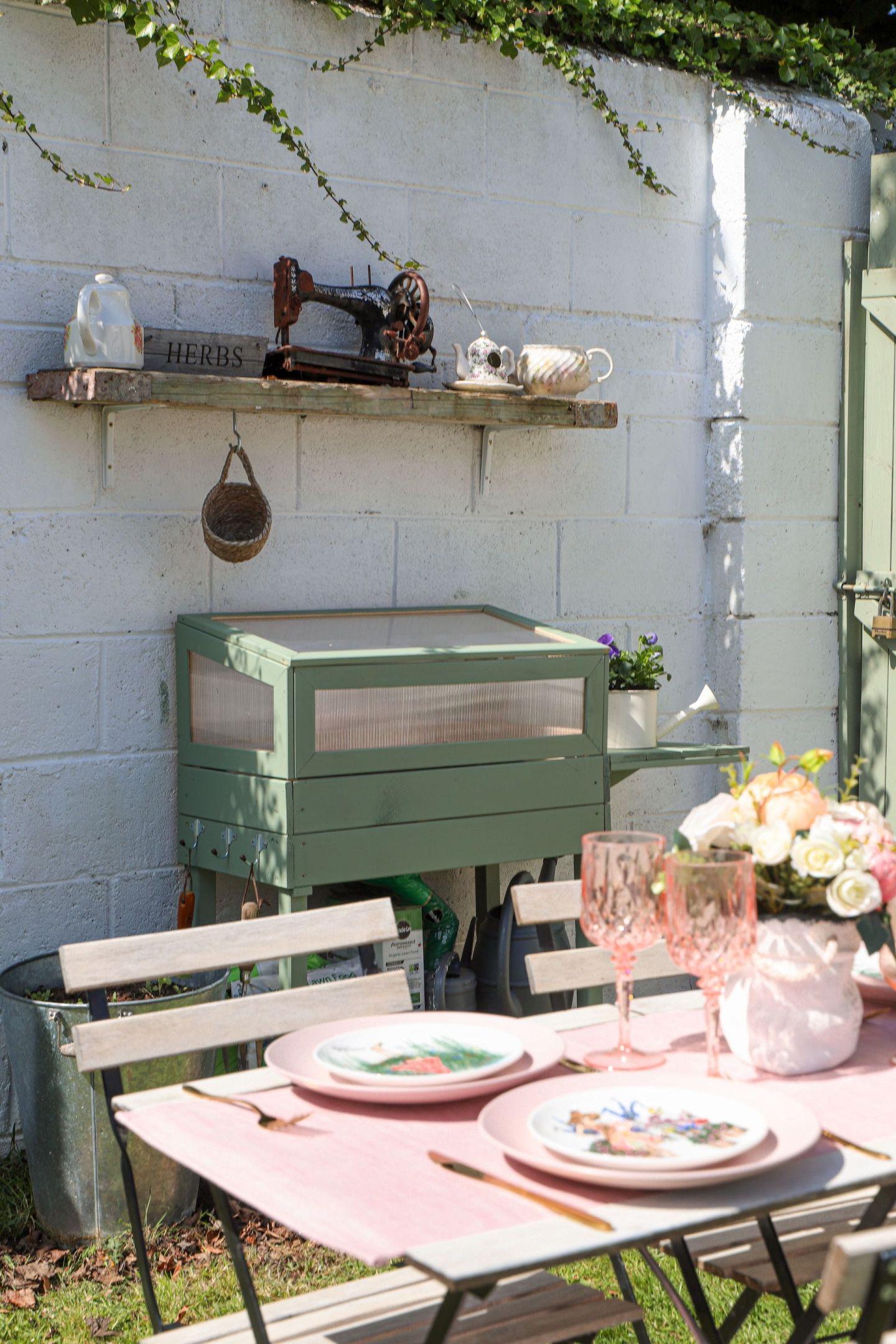 Small cottage garden ikea bistro set
