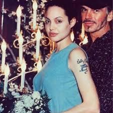 2 - Todas Las Cirugías de Angelina Jolie