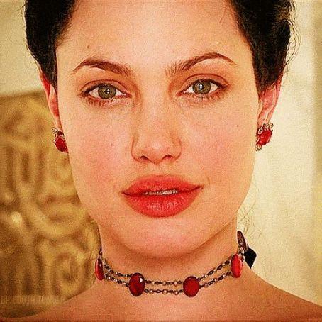3194ac4e34e29e5dfcda72d61a205c61 - Todas Las Cirugías de Angelina Jolie