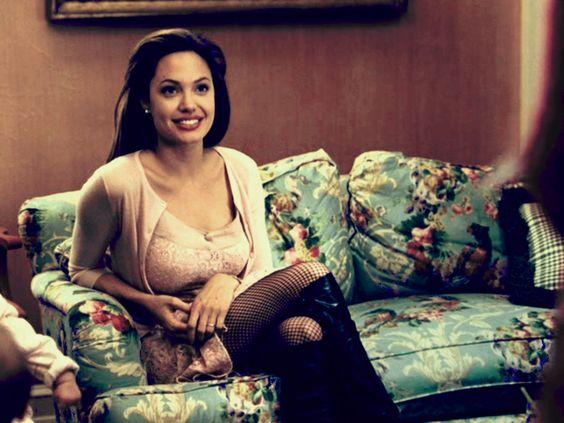 94f12db1af895bf003eff2626fa238b9 - Todas Las Cirugías de Angelina Jolie