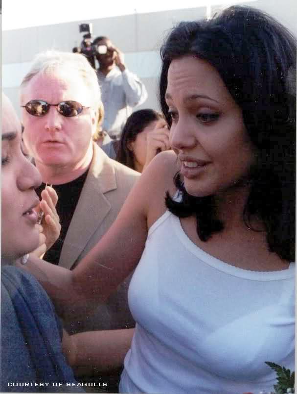angelinabefore - Todas Las Cirugías de Angelina Jolie