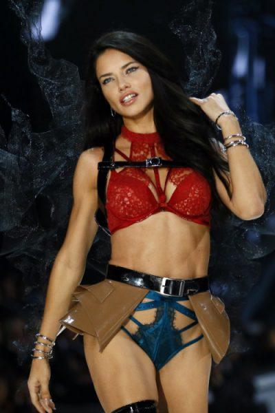 tumblr ohjvgnI5xe1s06avho1 500 1 e1501442952632 - La Pasión Por el Fitness de Adriana Lima