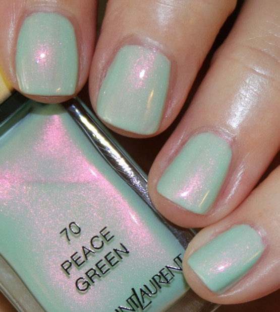 Yves Saint Laurent La Laque Couture Peace Green - La Importancia de las Uñas en Verano