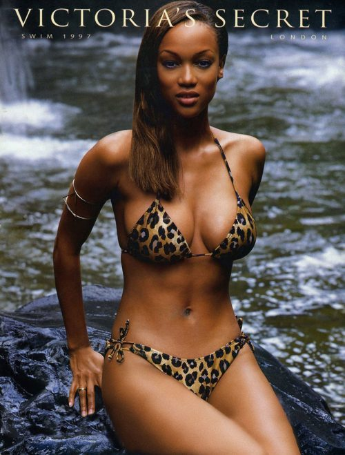 newego LARGE t 821 106527146 e1512947510502 - ¿Adriana Lima Abandona Victoria's Secret?