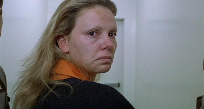 MAS FEA Q UN PIE - El Maquillaje de Charlize Theron en Monster