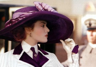 kate winslet titanic purple hat 750x522 - La Belleza en la Época Eduardiana