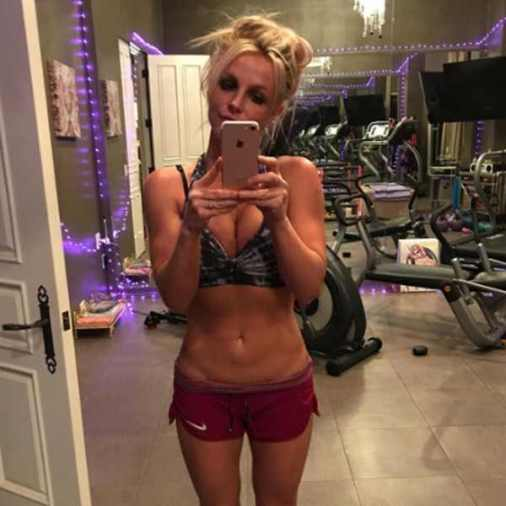 britney spears arms - La Liposucción de Britney Spears, ¿Un Error?
