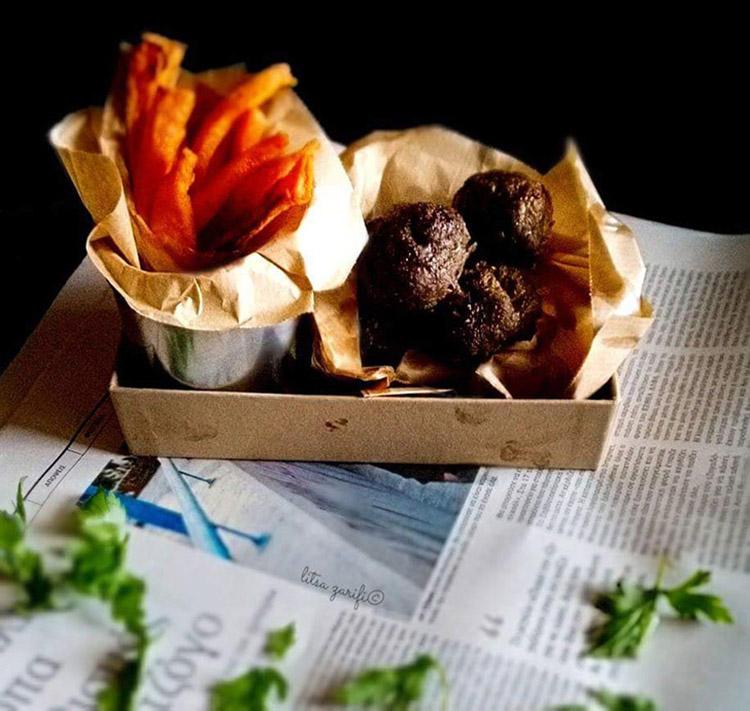 Ζυγουρίσια μπιφτέκια με φουρνίτες γλυκοπατάτας