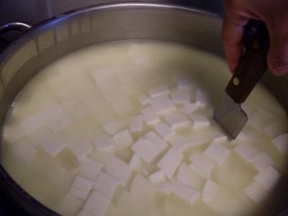 Ποιο είναι το γλυκό και ποιο το ξινό τυρόγαλα?