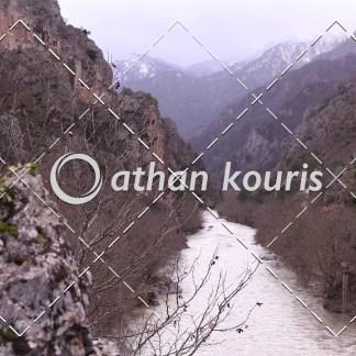 αγορά πλάνα βίντεο on line - Αώος χαράδρα Χειμώνας - Κόνιτσα διάρκειας 15 sec V-1098