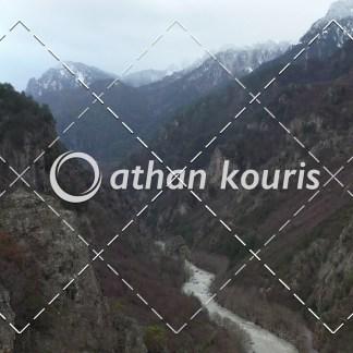 αγορά πλάνα βίντεο on line - Αώος χαράδρα Χειμώνας - Κόνιτσα διάρκειας 30 sec V-1114
