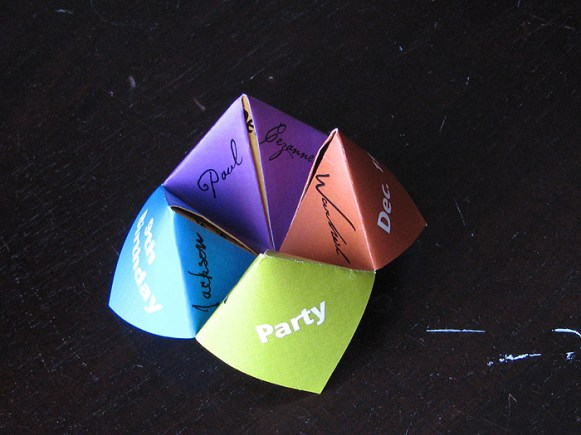 Cootie Catcher closed
