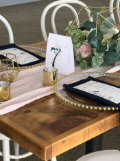 Pistachio Passion table number and menu