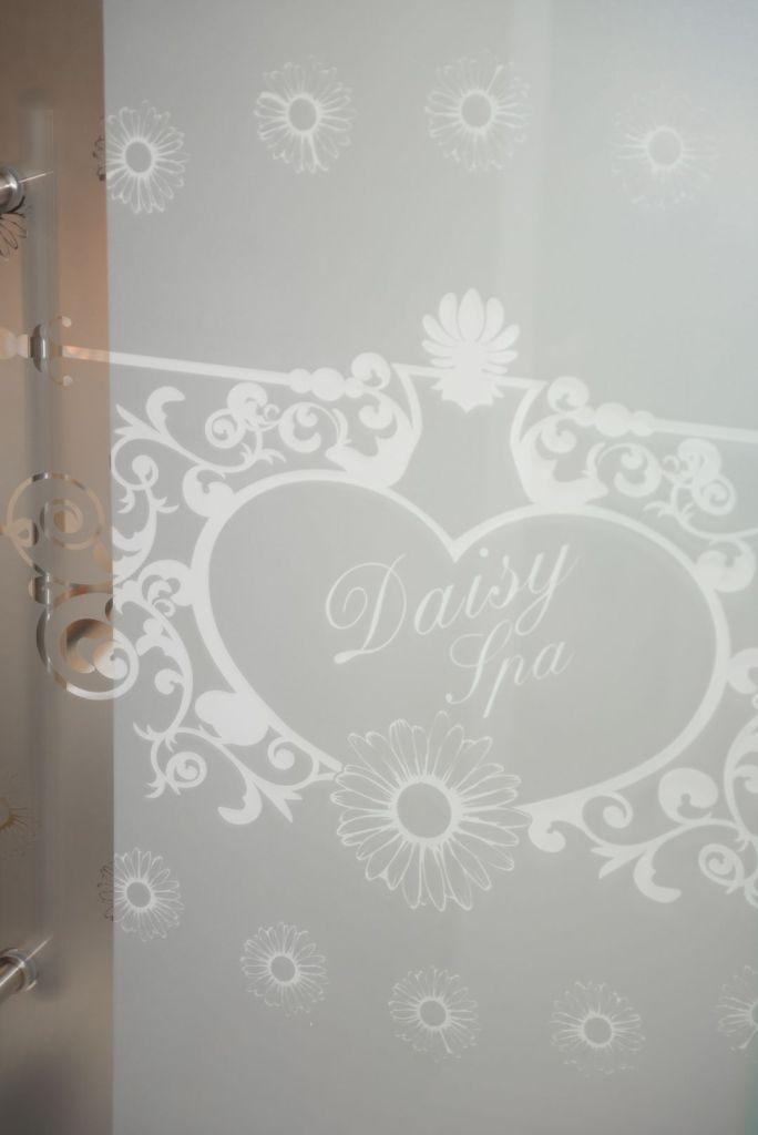 Daisyspa - Kosmetikbehandlung Handpflege Fußpflege Enthaarung