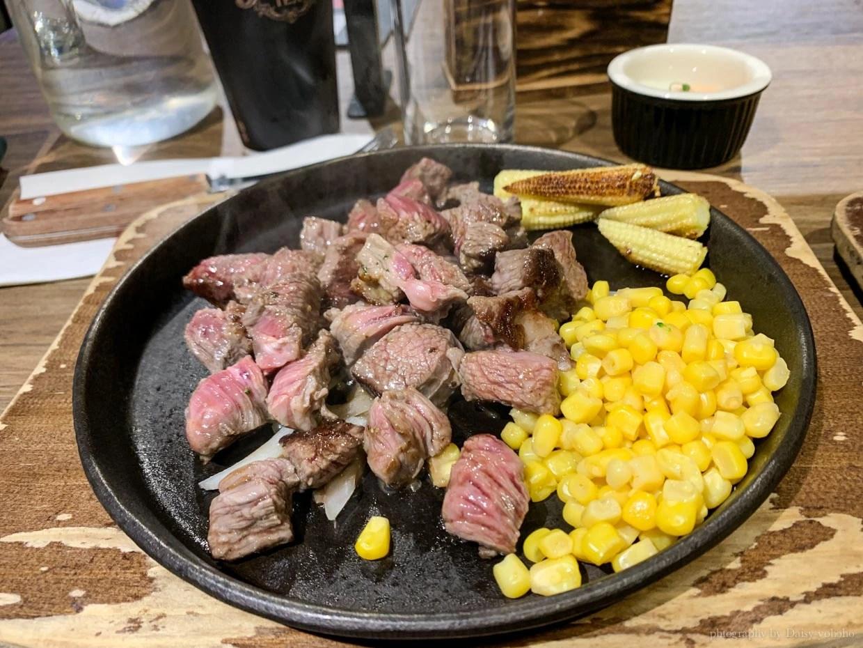現切牛排, 濕式熟成牛排, 站著吃牛排, 現切現煎, 忠孝敦化站, 亂切, 立吞牛排