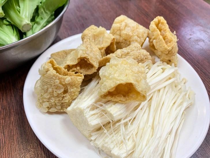 muttonlu 3 - 民權西路站 | 下港吔羊肉爐 羊肉專賣店 羊肉爐/羊肉湯/炒麵/麵線都好吃!