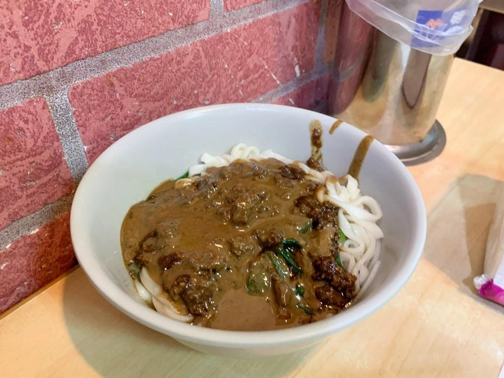 鮮肉湯圓, 施家鮮肉湯圓, 招牌乾麵, 延三夜市美食, 大橋頭小吃