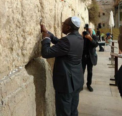 Sidiki Kaba s'attire les foudres des sénégalais — Incident en Israël
