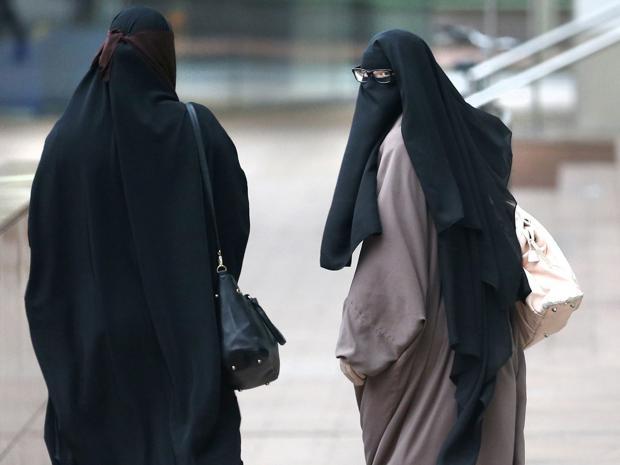 Elle avait refusé d'enlever son niqab, 3 mois ferme — Toulouse