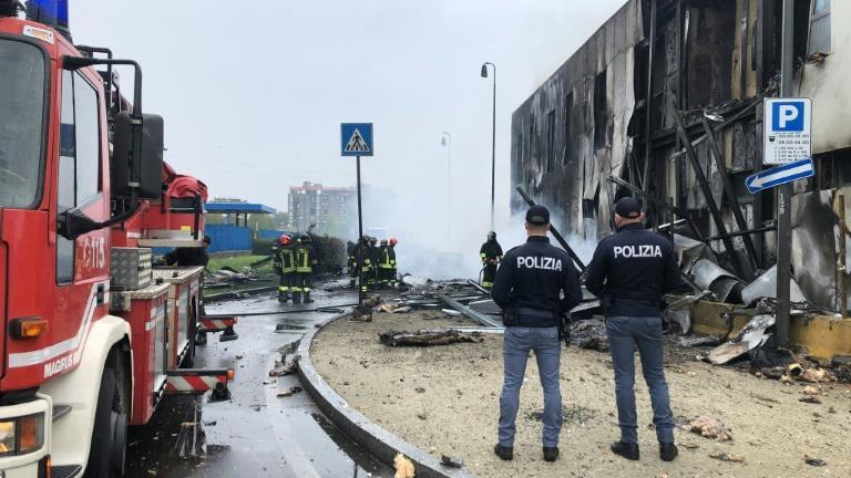 Milan: huit personnes perdent la vie dans un crash d'avion
