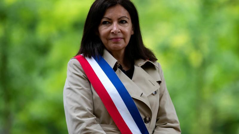 Présidentielles : portée par le Parti socialiste, la maire de Paris entre officiellement dans la course à l'Élysée