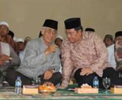 Gubernur Jawa Barat Ahmad Heryawan yang hendak mencalonkan pada Pilgub Jabar 2013 mendatang mendapatkan dukungan penuh dari ulama dan ribuan santri se-Kabupaten Ciamis. (inilah.com/Andriansyah)
