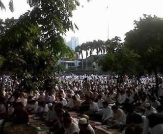 Shalat Idul Adha di Masjid Agung Al-Azhar, Kompleks Universitas Al-Azhar, Kebayoran Baru, Jakarta Selatan, JUmat (26/10/2012). (TRIBUNNEWS.COM/IMANUEL NICOLAS MANAFE)