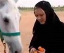 Jessica yang tak ragu lagi berikrar menjadi mualaf di Dubai. (onislam.net / ROL)