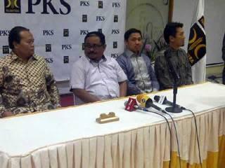 Konferensi Pers pimpinan PKS di kantor DPP PKS, 30 Januari 2013. (detikcom)