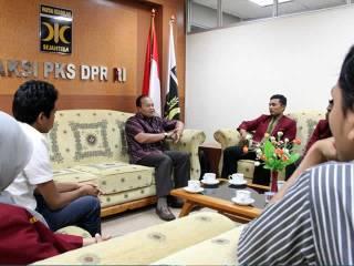 Audiensi Pimpinan Dewan Pimpinan Pusat Ikatan Mahasiswa Muhammadiyah (DPP IMM) dengan Fraksi PKS DPR RI yang dipimpin Hidayat Nur Wahid di DPR, Rabu (20/2). (ist)
