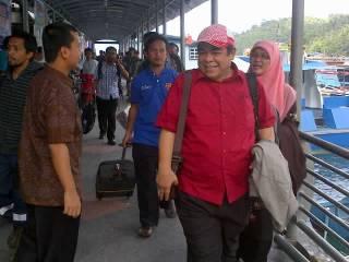 Pengurus PKS Pusat yang di Wakili oleh Anggota MPP PKS Sunmanjaya dan Anggota DPS PKS Herlini Amran melakukan konsolidasi dan silaturahim ke Kabupaten Anambas, Kepulauan Riau, Sabtu, 16 Februari 2013. (ist)