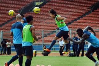 Latihan timnas dalam rangka persiapan menghadapi Arab Saudi