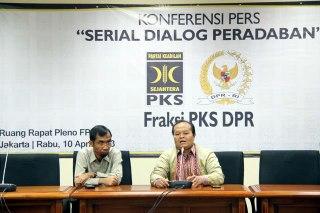 """Konferensi Pers """"Serial Dialog Peradaban"""", oleh Fraksi PKS DPR RI, Rabu (10/4/20130. (ist)"""