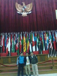 Pengurus FAM Wilayah Jawa Barat di gedung Konferensi Asia Afrika (KAA) Bandung, usai kopi darat (kopdar) dan pembentukan pengurus FAM Jawa Barat. (Foto: ist.)