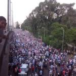 Sekitar 200 ribu massa tertahan di depan Dep. Investasi karena jalan menuju paspampres ditutup militer