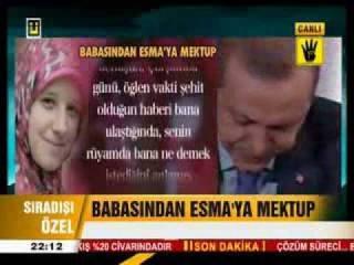 Erdogan, perdana menteri Turki menangis dalam sebuah siaran televisi