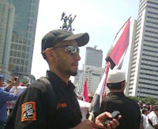 Irlan ketua Jakmania Garis Keras dalam Aksi KNKDM di HI (19/8/13) (Foto:IsMed)