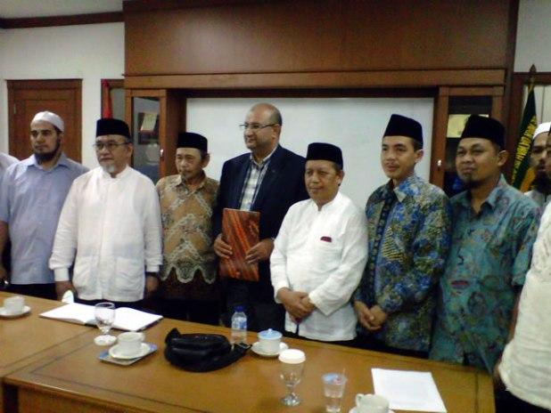 Silaturahim dan kunjungan utusan Ikhwanul Muslimin, Dr. Muslimin Ahmed Mohamed Fahmy El-Watidi ke Majelis Ormas Islam, Jum'at (6/9/2013), di Gedung Menara Dakwah DDII. (ist)