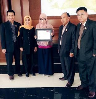 PKS Raih Penghargaan Parpol Paling Transparan di KIP Award