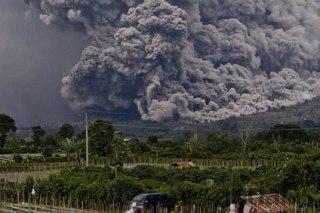 Awan panas gunung Sinabung (Foto: harianandalas.com)