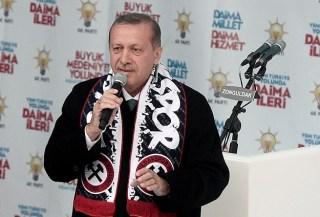 Erdogan dalam sebuah kampanye (aa.com.tr)