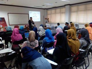 Workshop Jurnalistik Komunitas Mahasiswa SEF Funadarma Depok, Sabtu (3/5) - (Foto: fpbn)